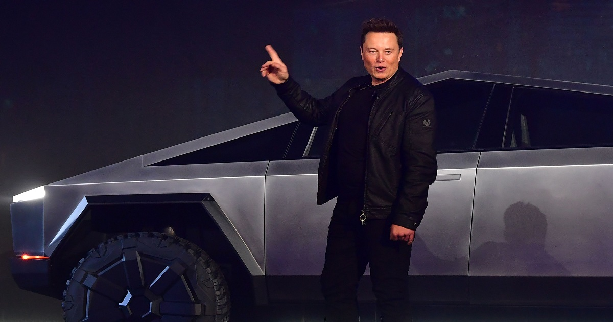 Ford challenged Tesla to an 'apples to apples' tug-of-war between pickup trucks — Musk says 'bring it on'